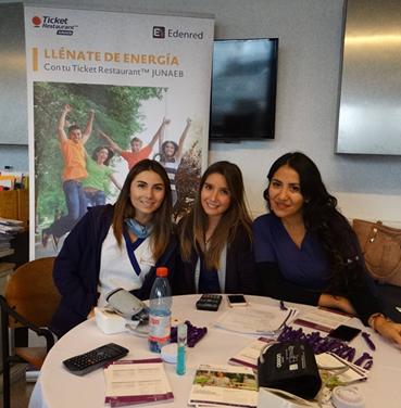 """Ticket Junaeb participa en campaña """"Donar sangre es donar vida"""" de UNIACC"""